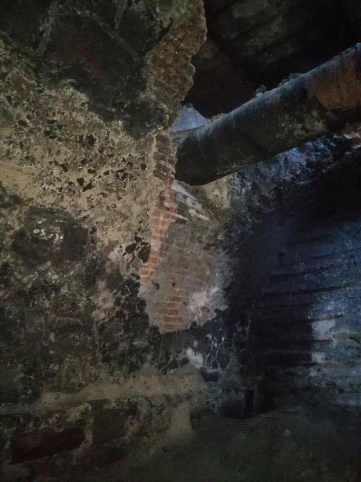 Під час ремонту Сквирського шосе на глибині близько п'яти метрів знайшли споруду, побудовану за часів Браницьких.<br />UPD: за словами історика Євгена Чернецького, дана споруда є акведуком. Висота споруди близько 6 метрів, ширина - 5м, товщина стіни - 7 цеглин.