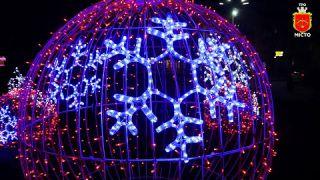 Новорічні свята починаються з 19 грудня!