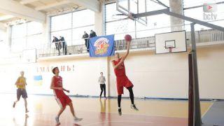 Стартував 5 відкритий чемпіонат міста з баскетболу серед аматорських команд