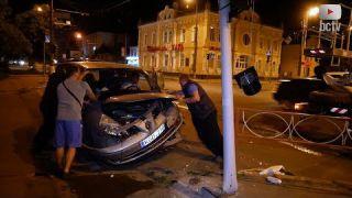 Унаслідок ДТП на перехресті у Білій Церкві водій зніс світлофор