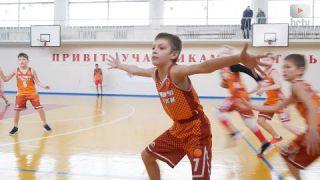 """Передсвяткове тренування у баскетбольній школі """"Літаючи білки"""""""
