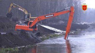 Розчищення обвідного каналу Острову Дитинства